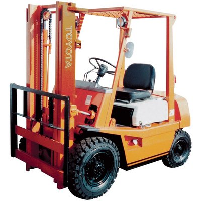 FREE SHIPPING — YALE Reconditioned Forklift — 3 Stage, 3,000-lb. Capacity, 1997-2003, Model# YA GLP030 97-03 TSU